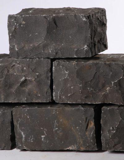 Basalt CN Black, genau geschlagen