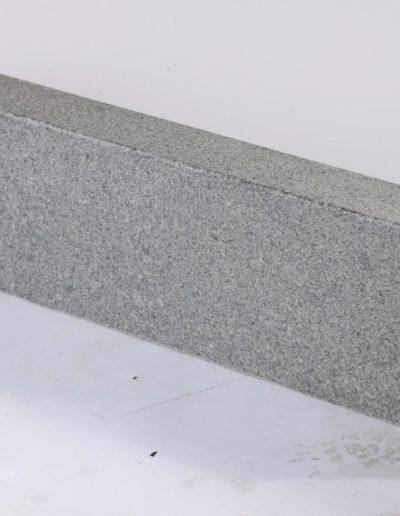 Granit Nero Leccero Bordstein