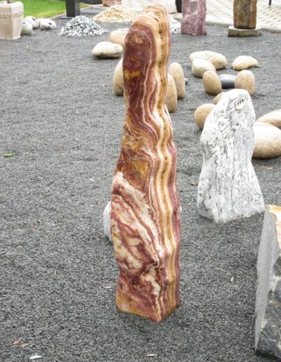 Monolith, braun